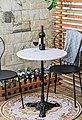 SIT Bistrotisch, mit Marmorplatte und hübschem Eisenfuß, Bild 1