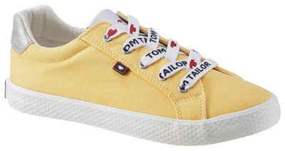 TOM TAILOR Sneaker mit Markenschriftzug auf den Senkeln