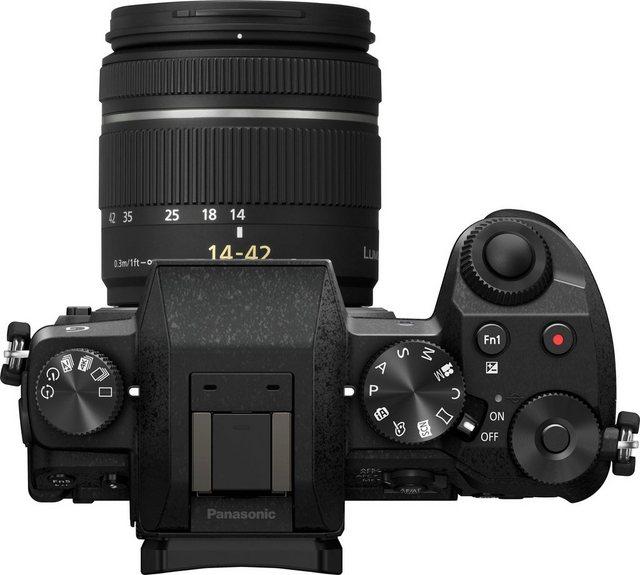 Systemkameras - Panasonic »DMC G70KAEG K mit 14 42mm« Systemkamera (16 MP, WLAN (Wi Fi), Tasche DMW PGH68XEK 32 GB SD Karte (EmTec) 10 € CEWE FGS)  - Onlineshop OTTO