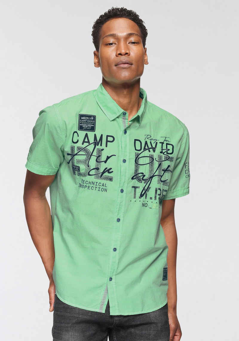 CAMP DAVID Kurzarmhemd mit Logoprint