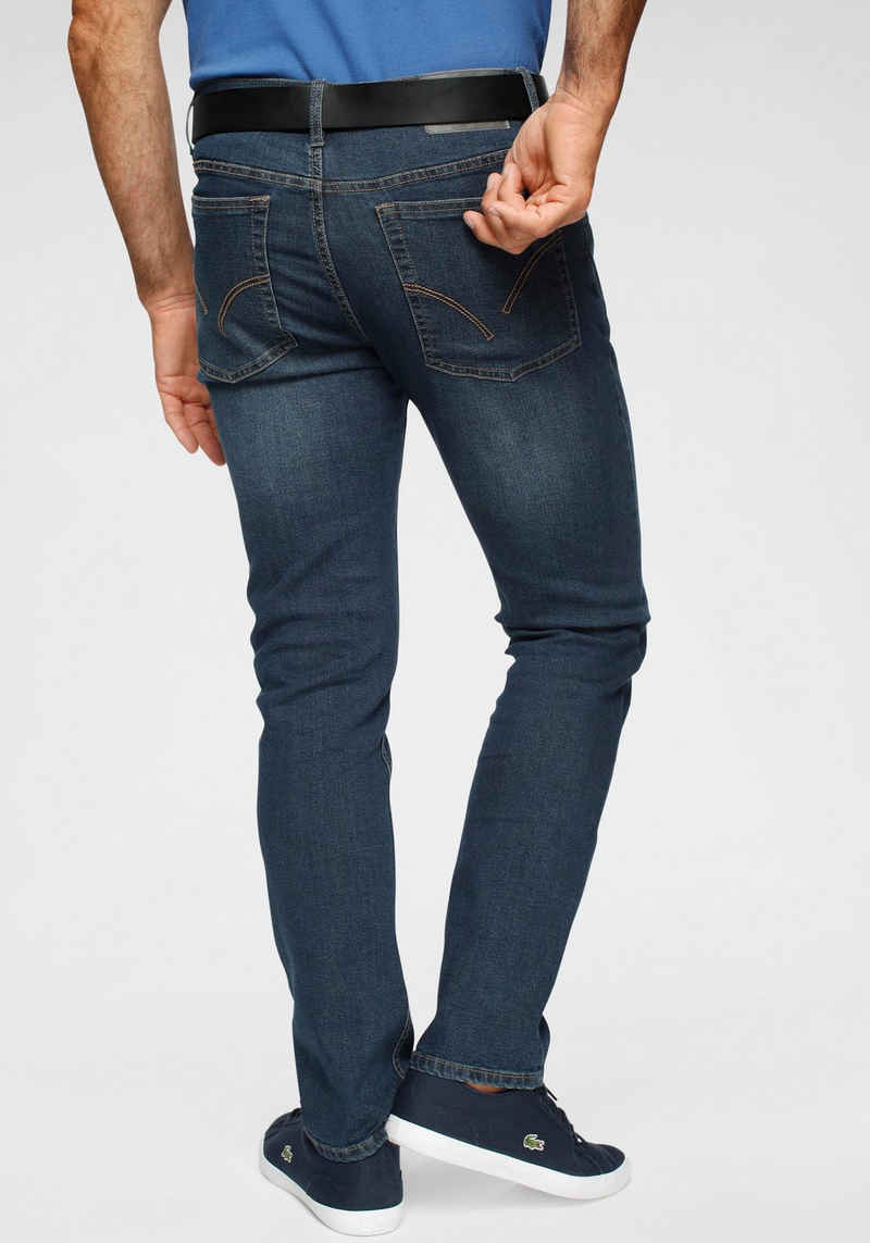Arizona Straight-Jeans mit recyceltem Polyester-Anteil