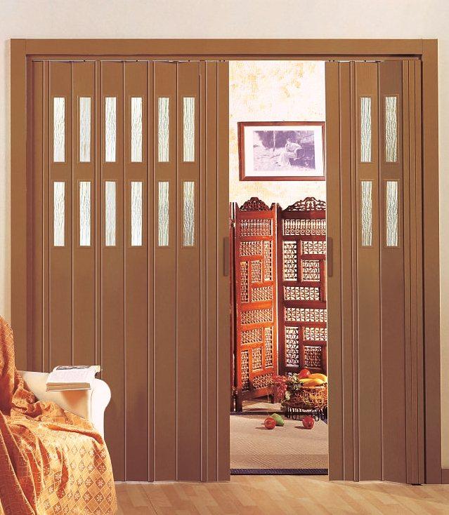 Kunststoff-Falttür »Luciana«, mahagonifarben, mit Fenstern in Riffelstruktur in mahagonifarben
