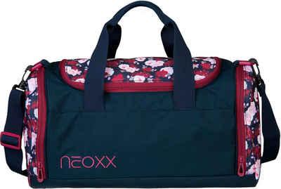 neoxx Sporttasche »Champ, My heart blooms«, aus recycelten PET-Flaschen