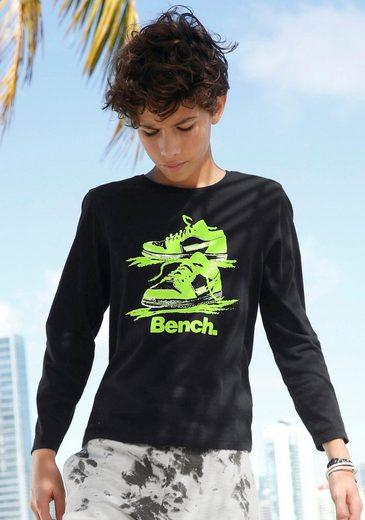 Bench. Langarmshirt mit Druck in Neonfarbe