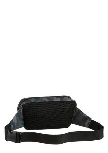 Bench. Gürteltasche  mit praktischer Reißverschluss-Vortasche