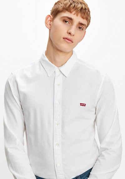 Levi's® Langarmhemd mit Logo-Badge auf der Brust