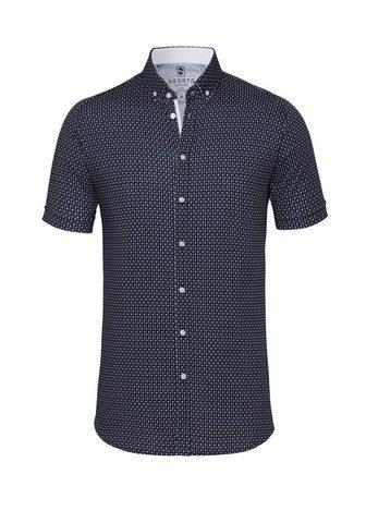 Трикотажная рубашка c короткими рукава...