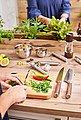 RÖSLE Kochmesser »Masterclass«, scharfes Küchenmesser zum Schneiden von Fleisch, Fisch, Geflügel und Gemüse, Made in Solingen, Klingenspezialstahl, ergonomischer Griff, Nussbaumholz, Bild 5