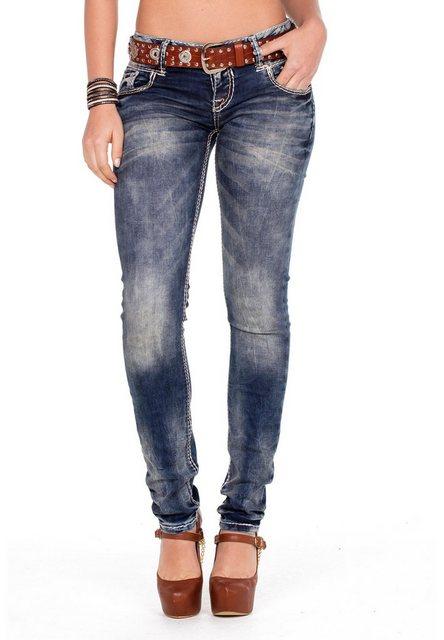 Hosen - Cipo Baxx Bequeme Jeans mit integriertem Gürtel › braun  - Onlineshop OTTO