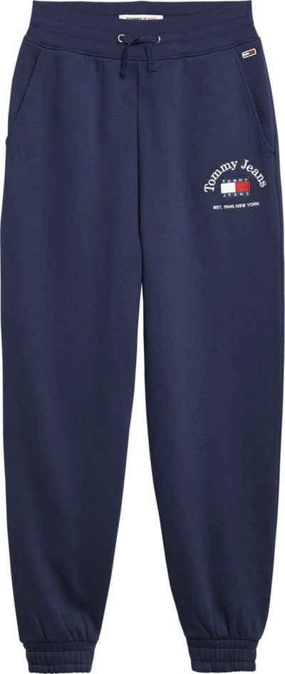 Tommy Jeans Jogginghose »TJW RLX Timeless Tommy 1 Swtpant« mit Tommy Jeans Logo-Schriftzug & Badge auf dem linken Bein