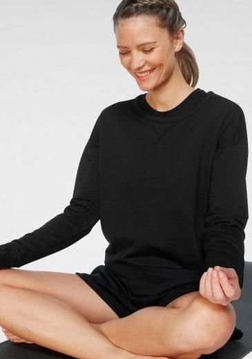 Nike Yogashirt »Nike Women's Long-Sleeve Yoga Train« Outcut am Rücken