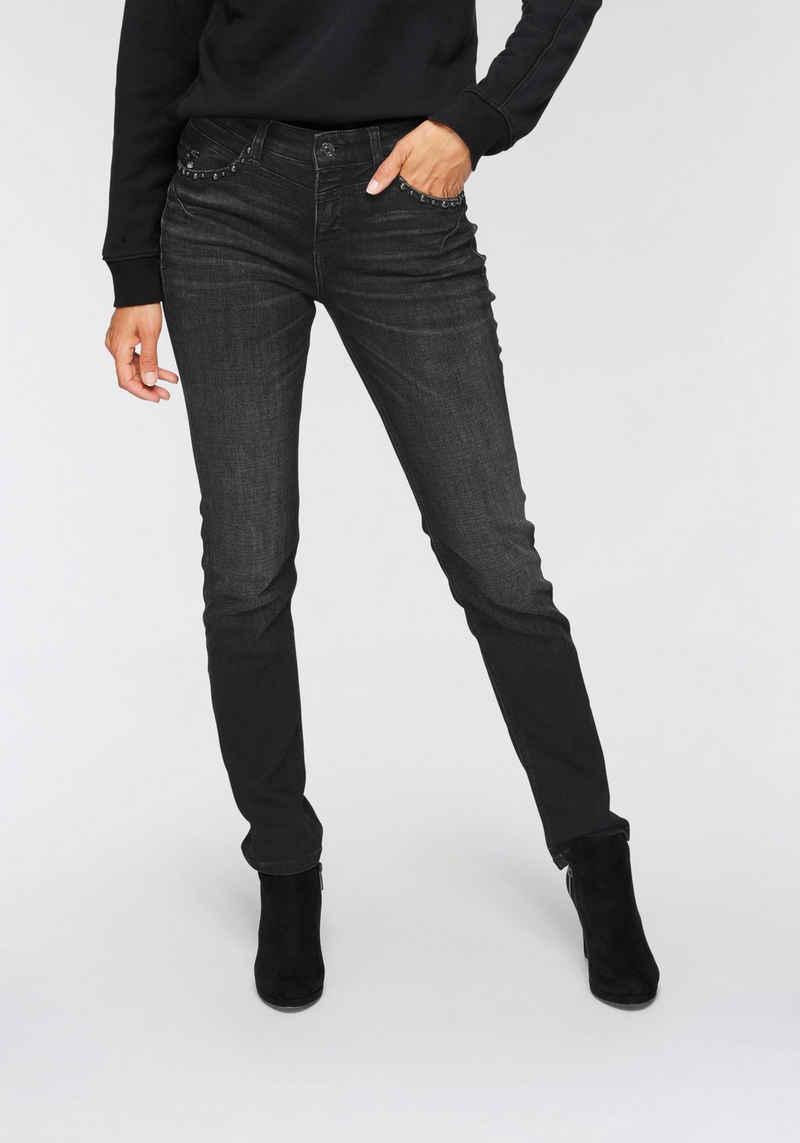 MAC Slim-fit-Jeans »Rich-Slim-Glam Riovet« Push-Up-Effekt durch besondere Nahtführung