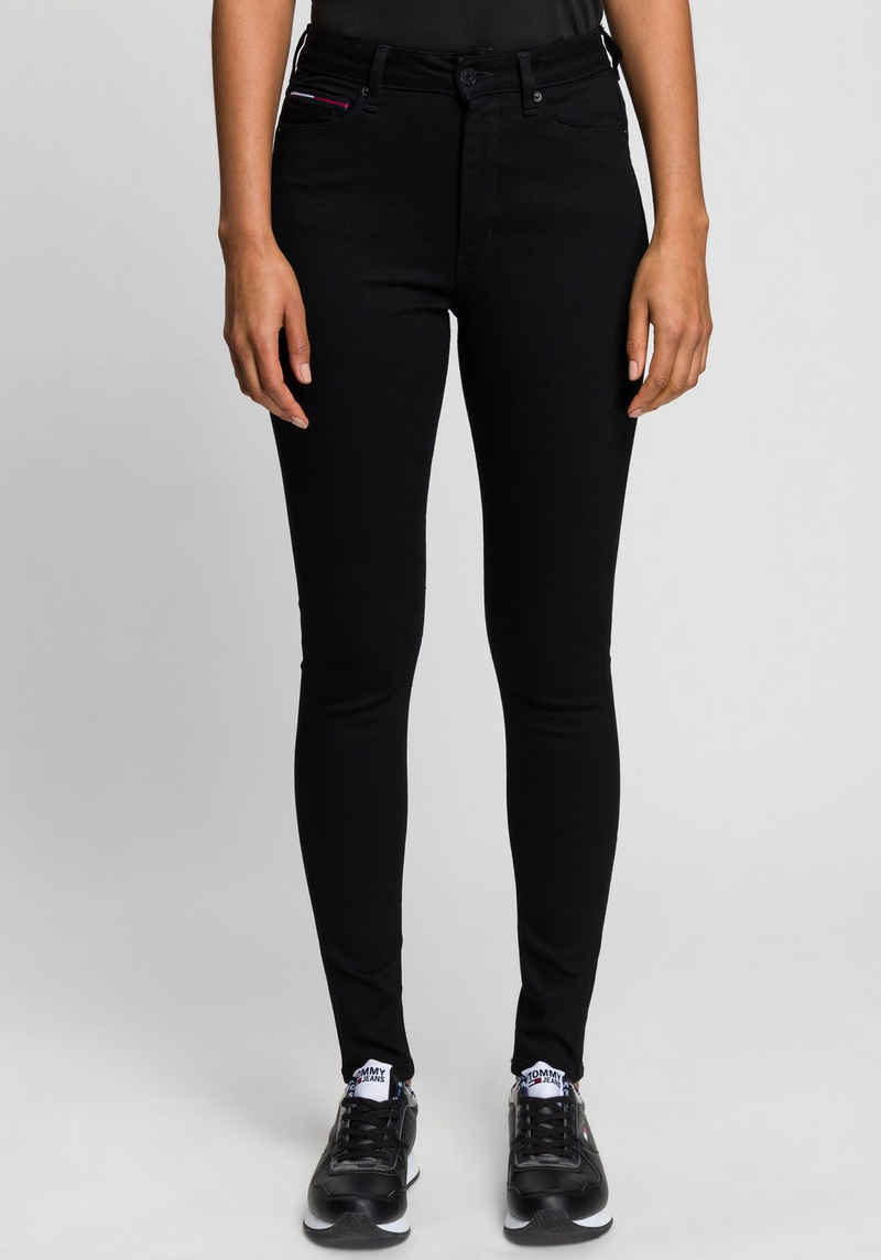 Tommy Jeans Skinny-fit-Jeans »SYLVIA HR SUPER SKNY« mit Tommy Jeans Logo-Badge & Stickereien