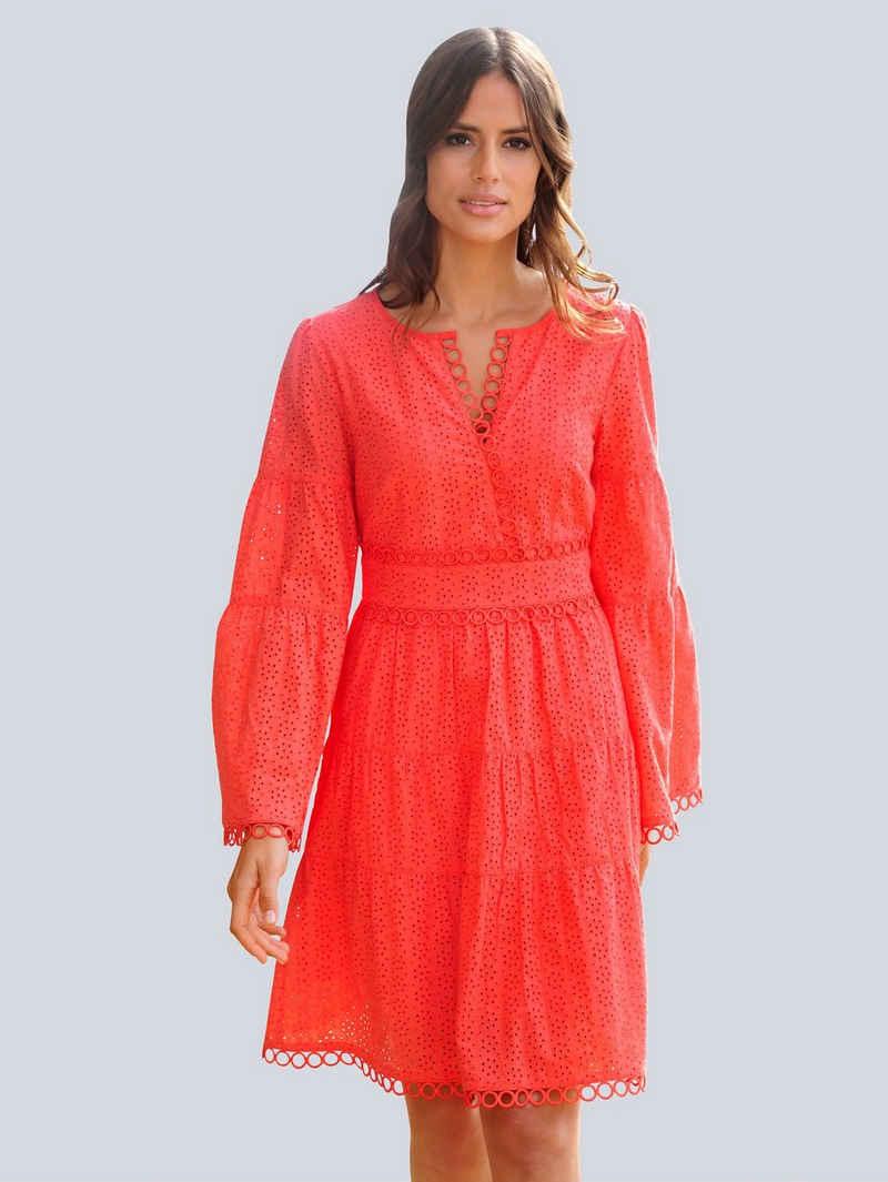 Alba Moda Strandkleid mit edler Zierspitze