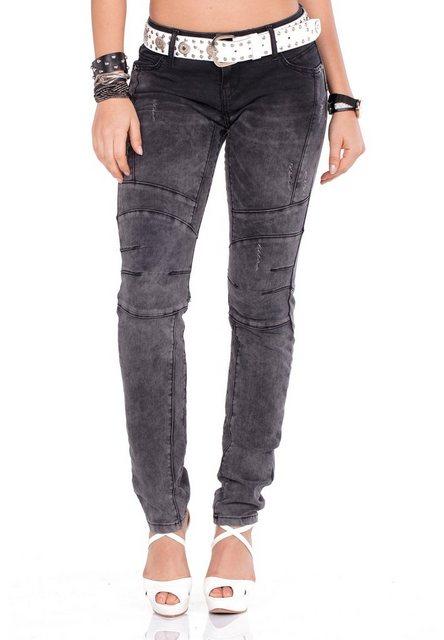 Hosen - Cipo Baxx Straight Jeans mit dicken Ziernähten und praktischem Gürtel › weiß  - Onlineshop OTTO