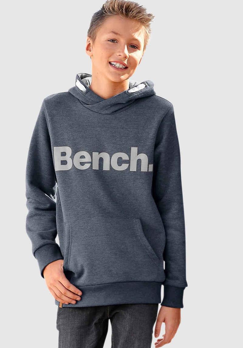 Bench. Kapuzensweatshirt mit großem Logo-Druck vorn
