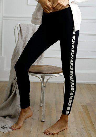 Bench. Leggings mit seitlichem Logoschriftzug
