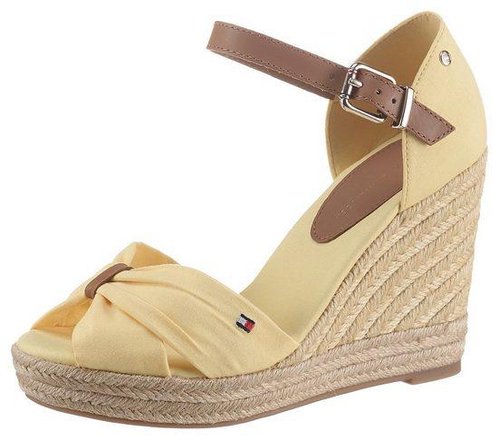 Tommy Hilfiger »BASIC OPENED TOE HIGH WEDGE« High-Heel-Sandalette mit dezenter Logostickerei