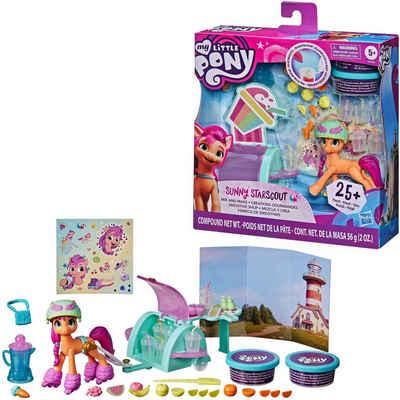 Hasbro Spielfigur »My Little Pony, A New Generation Smoothie Shop Sunny Starscout«, mit viel Zubehör