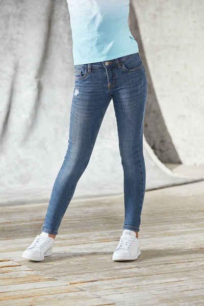 Bench. Stretch-Jeans mit dezenten Abriebeffekten in Super Skinny