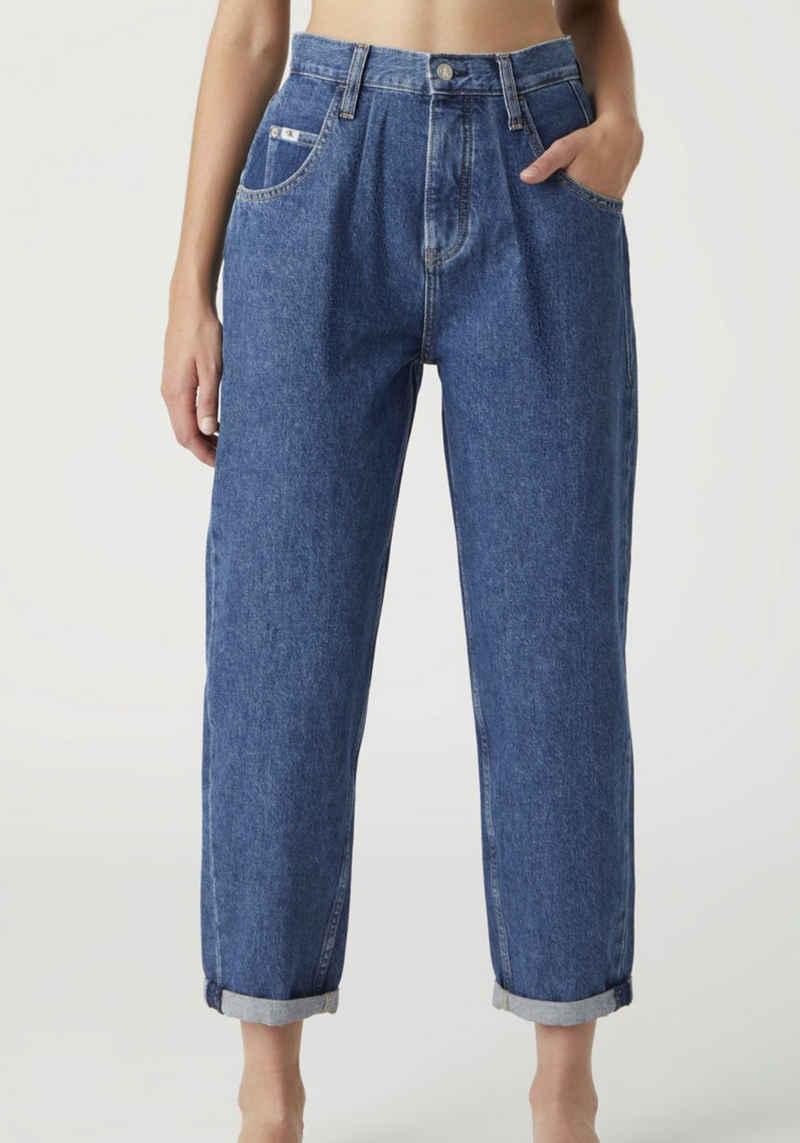 Calvin Klein Jeans Tapered-fit-Jeans »Baggy Jean« mit Bundfalte, modisch zu krempeln