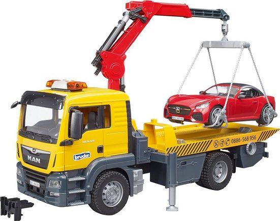 Bruder® Spielzeug-Auto »MAN TGS Abschlepp LKW mit Roadster Licht und Sound«
