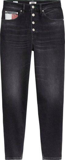 TOMMY JEANS Mom-Jeans »MOM JEAN HR TPRD BTN FLY SVBKC« mit geknöpftem Hosenschlitz & Tommy Jeans Logo-Details