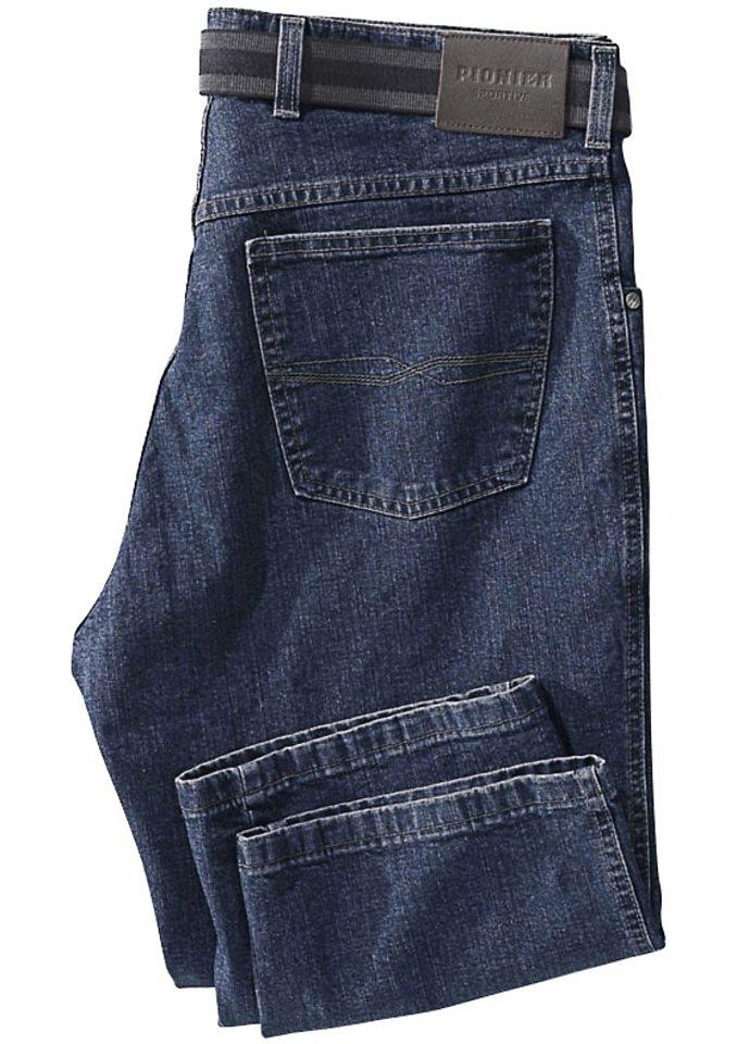 Pionier Jeans in typischer 5-Pocket-Form in blue-stone-washed