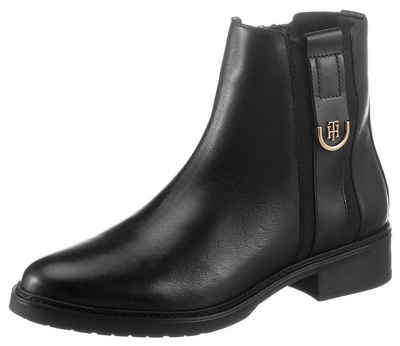 Tommy Hilfiger »TH HARDWARE LEATHER FLAT BOOT« Stiefelette mit TH-Applikation