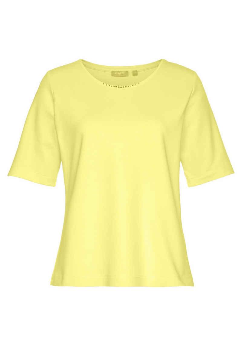 Rabe Rundhalsshirt mit kleinen Schmucksteinchen am Ausschnitt