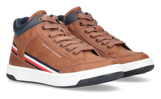 Tommy Hilfiger Sneaker mit Textilband in Logofarben an der Seite