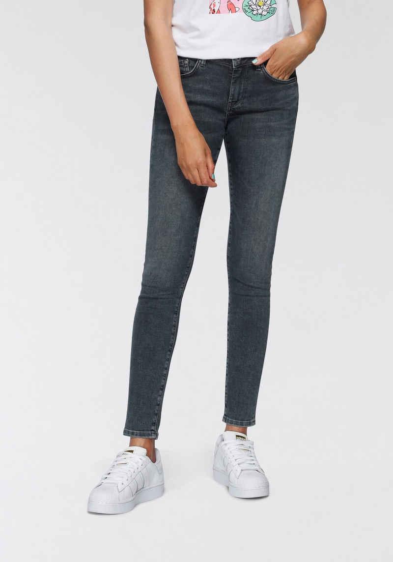 Pepe Jeans Skinny-fit-Jeans »PIXIE« im basic Skinny-Fit in Mid-Waist und 5-Pocket-Stil