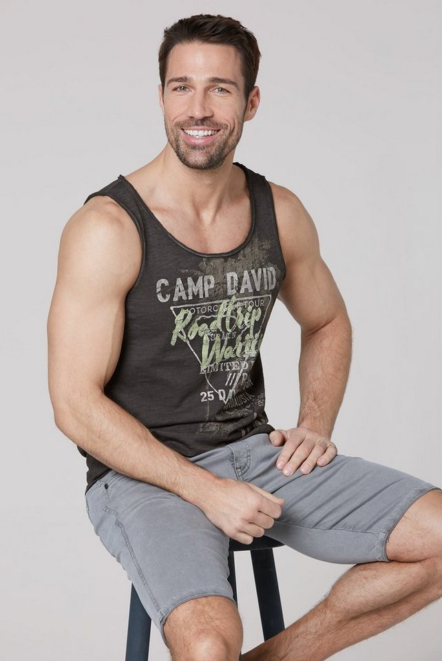 camp david -  Tanktop mit offenen Nähten am Ausschnitt