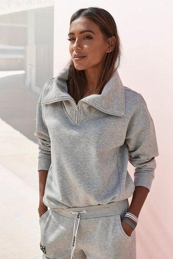 Bench. Sweater mit Stehkragen und Logodruck