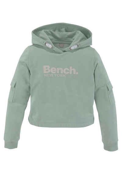 Bench. Kapuzensweatshirt mit Ärmeltaschen