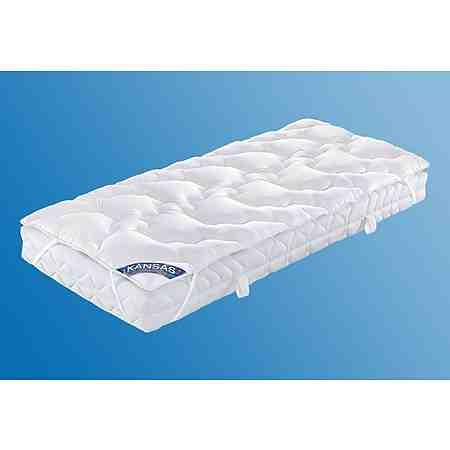 Mit Unterbetten wird die Matratze geschützt und das Bett wird hygienischer und wärmer.