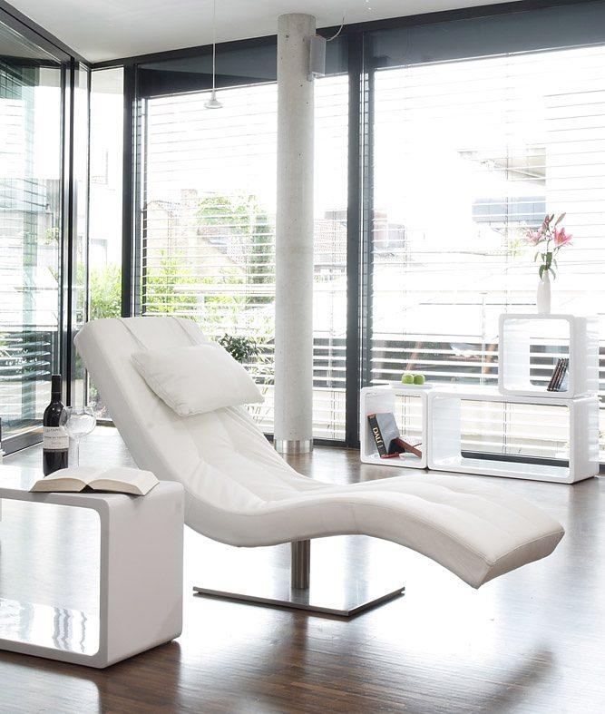 SalesFever Tiara Designer Liege weiß mit vernickeltem Gestell