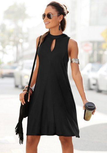 LASCANA Jerseykleid in weit schwingender Form