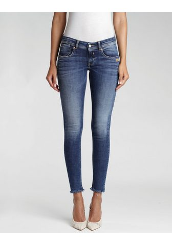 GANG Skinny-fit-Jeans »Faye« su ausgefranst...