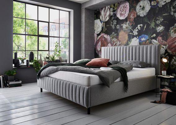 Polsterbett, mit Lattenrost und Bettkasten