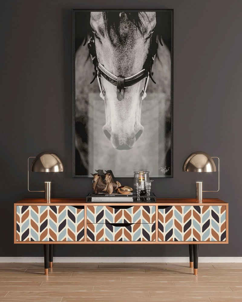 Places of Style Lowboard »Beige Laure«, mit dekorativen Print auf den Türen
