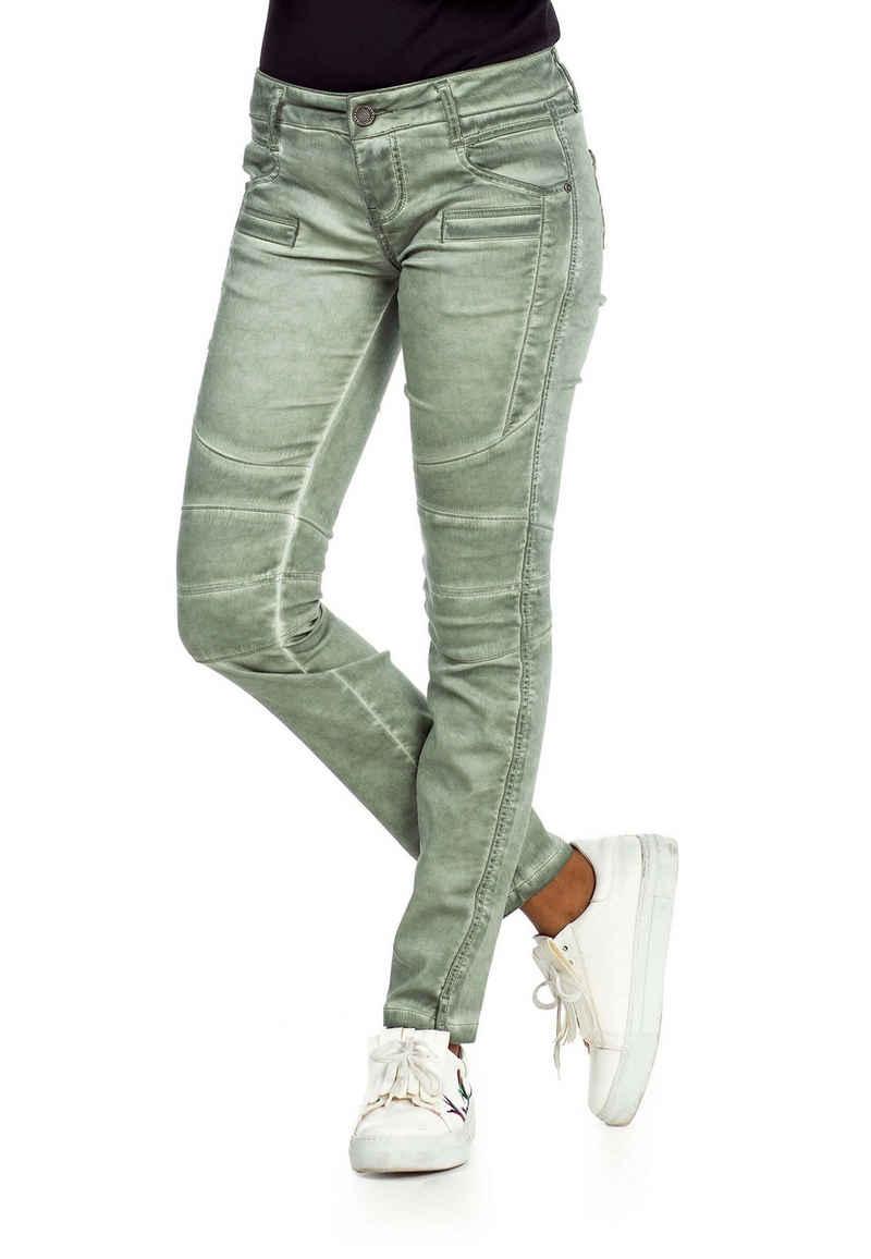 Cipo & Baxx Slim-fit-Jeans mit trendigen Abnähern im Straight Fit