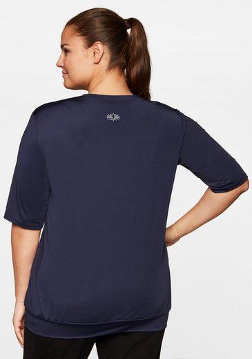 Sheego T-Shirt mit Kängurutasche, atmungsaktiv