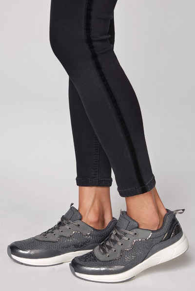 SOCCX Sneaker im Metallic Look