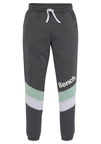 Bench. Sportinio stiliaus kelnės su farbliche...