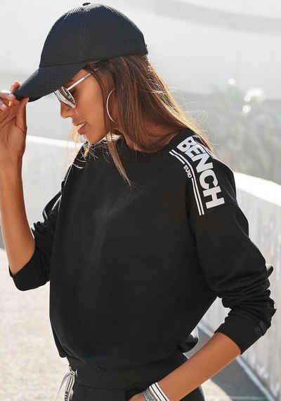Bench. Sweatshirt mit Logodruck