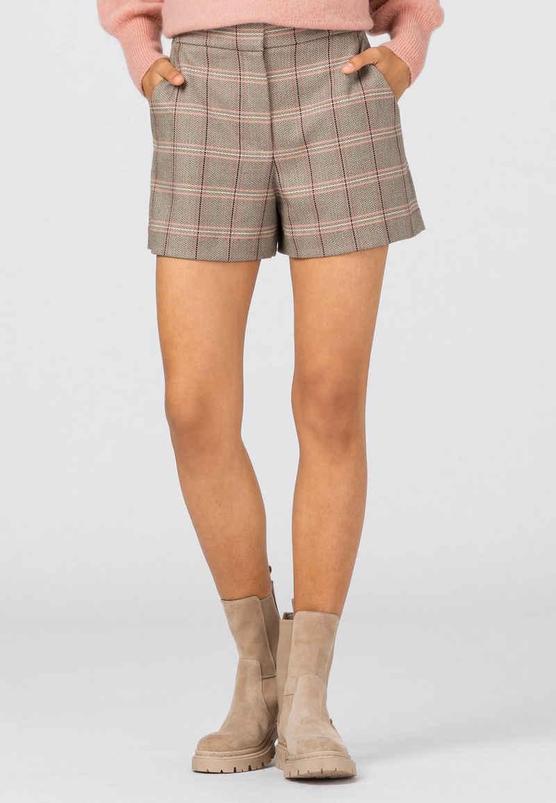 HALLHUBER Shorts »aus recycelten Fasern«
