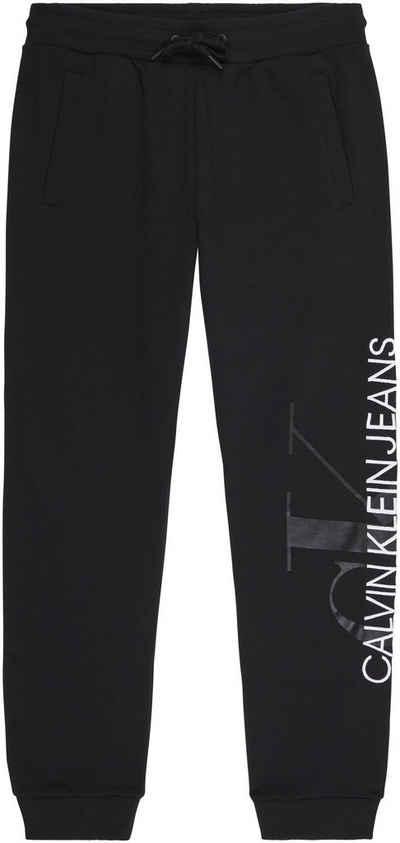 Calvin Klein Jeans Jogginghose »VERTICAL MONOGRAM JOG PANTS« mit großem CK Logo-Monogramm & Schriftzug auf dem linken Bein