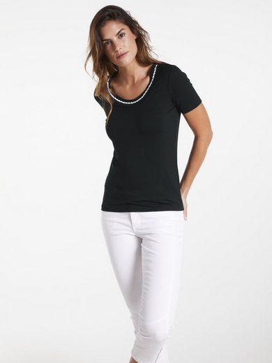 heine CASUAL Shirt mit farblich abgesetzen Ausschnitt Details