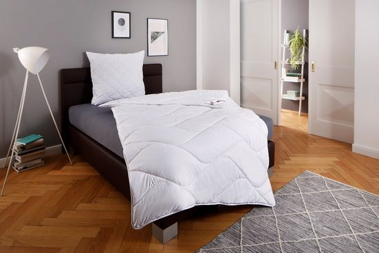 Kunstfaserbettdecke, »Fantasy«, fan Schlafkomfort Exklusiv, warm, Bezug: 100% Baumwolle, (1-tlg), ideale Ganzjahresdecke, Kundenliebling!